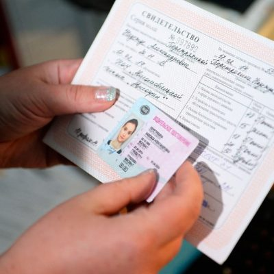 Можно ли поменять права на новые раньше до истечения срока и за сколько?